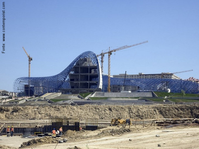 Uma foto da construção, hoje.