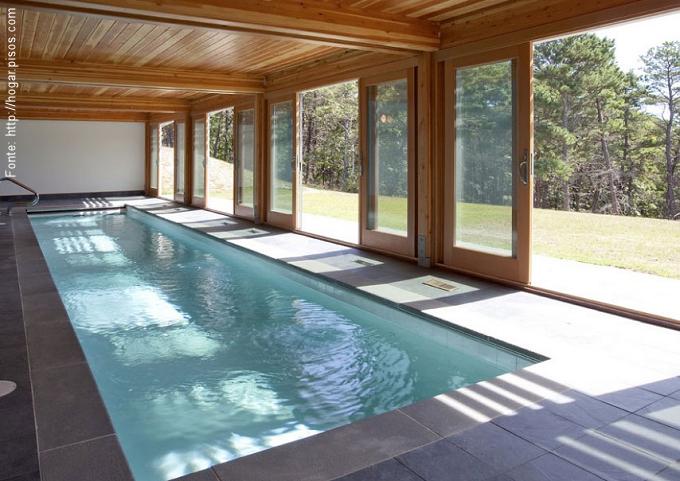 Inverno com ver o passeio revestimentos e sensa es for Casas modernas con piscina interior