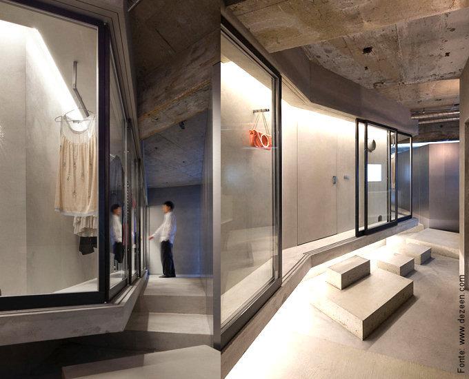 Mais uma visão do misto de corredor-circulação-closet-vitrine.
