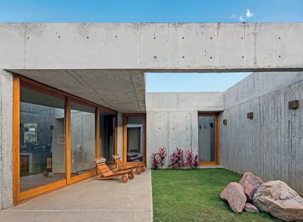 patio-interno-jardim-paines